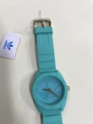 アディダス 腕時計 電池交換必要品