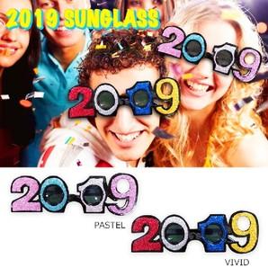 THE処分!2019HAPPY NEW YEAR サングラス 2000個セット