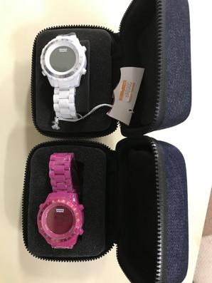 LEVIS デジタル時計 ケース付き 2個