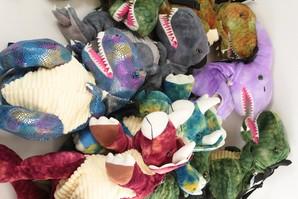 恐竜ぬいぐるみリュック/バックパック  ちょこっとだけワケアリ品 12個のみ 大幅値下げ