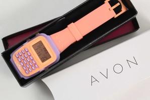 木曜市!AVON デジタル 腕時計 箱入り  電池切れ 値段を見てビックリ!