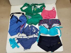 USA在住の方の レディス水着&スポーツブラ 一般買取中古品 有名ブランド商品多数 9点入り