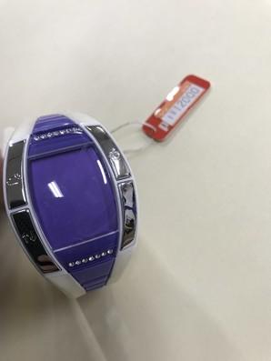 プーマ 腕時計 定価12000円 白なので多少汚れあり。