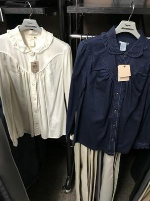 リーバイスレディースシャツ二色展開の30枚入り定価8000円
