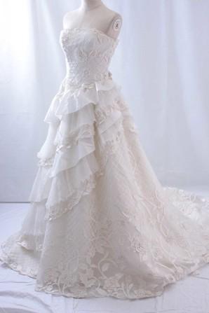 高級ウェディングドレスをデザインお任せで1着から販売します!上代20万以上の品質